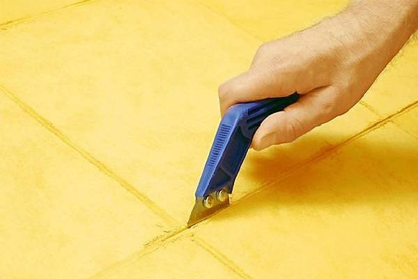 Как самому обновить швы керамической плитки
