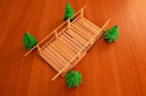 Игрушечный мостик своими руками - мостик готов!