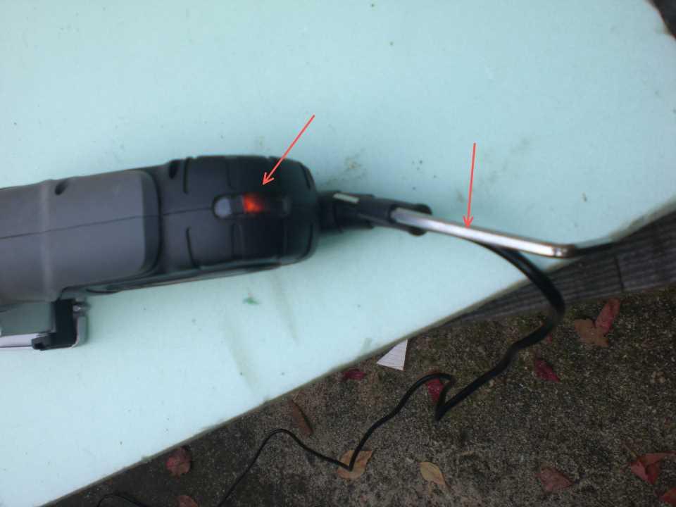 Skil 5330 Multisaw снабжен индикатором питания и местом под ключ