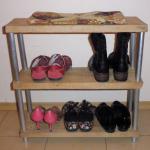Полка для обуви своими руками из досок и фотовалов
