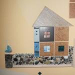 Декор стены фактурной штукатуркой и мозаикой