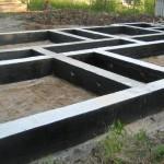 Ленточный бетонный фундамент своими руками