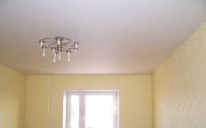 Натяжные потолочные системы в жилых помещениях